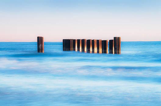 Blue Wave by Tomasz Worek