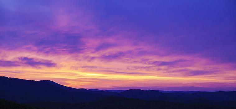 Blueridge mountain Dawn by Ernesto Gomez