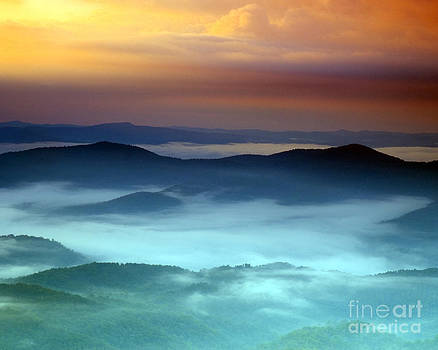 Blueridge Sunrise by John Remy