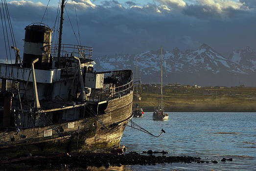 Boat of Ushuaia by Alessandro Pinto