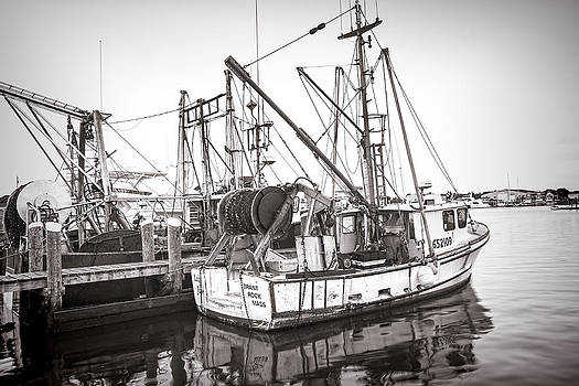Boats in Hyannisport Harbor by Ray Summers Photography
