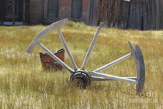 Bodie Wagon Wheel by Catherine DeHart