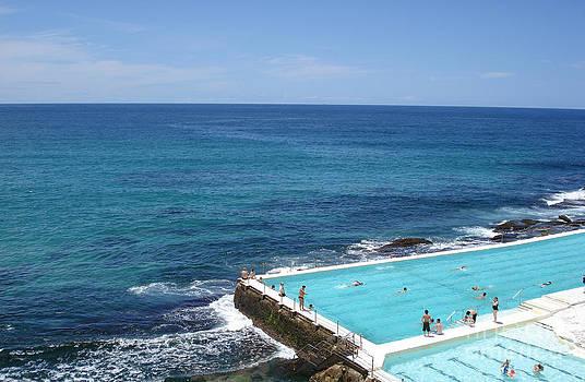 Bondi Ocean Pool by Sara  Meijer