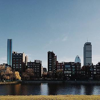 Boston 🌆 #iphone6 #vscocam by Lawrence  Hermida