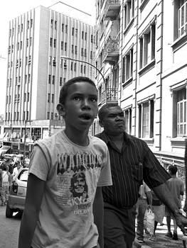 Julie Niemela - Boy in the Crowd - Sao Paulo