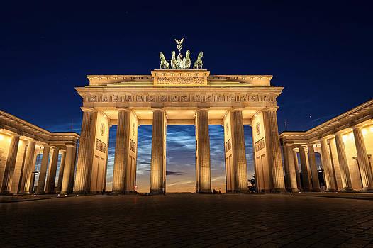 Brandenburg Tor by Musa GULEC
