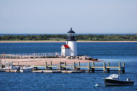Brant Point Lighthouse by Lorena Mahoney