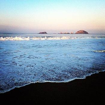 Breaking Dawn... In Ixtapa!  #ixtapa by Victor Varela