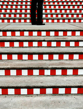 Breaking the pattern. by Beata  Czyzowska Young
