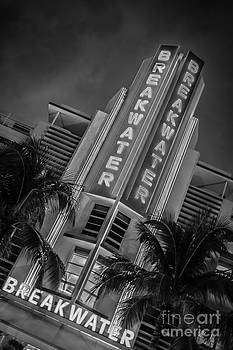Ian Monk - Breakwater Hotel Art Deco District SOBE MiamI - Black and White