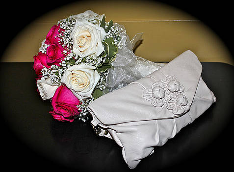 Venetia Featherstone-Witty - Bridal Bouquet and Clutch
