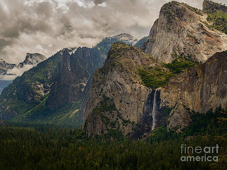 Terry Garvin - Bridalveil Falls and Yosemite Valley