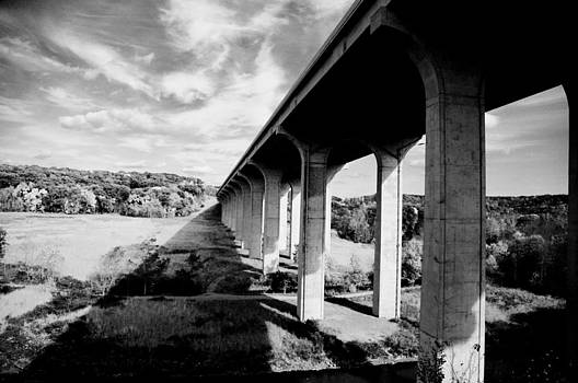 Bridge in Black and White by Jeff Picoult