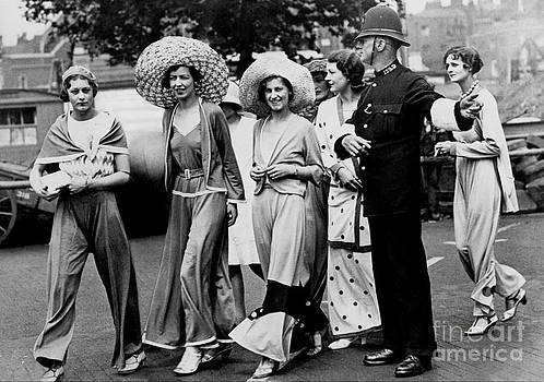 Reproductions - British Fashion - 1930