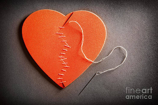 Broken Heart On The Mend by Sharon Dominick