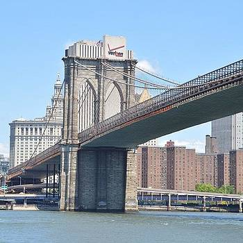 Brooklyn Bridge. by Eve Tamminen