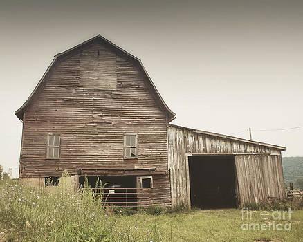 Brown Barn by Jillian Audrey Photography