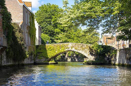 Pravine Chester - Bruges