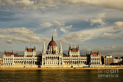 Budapest Parliment by Steven Liveoak