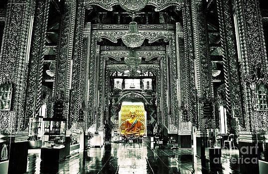Buddha by Jeng Suntorn niamwhan