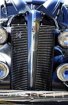Buick 8 by Ian  Ramsay