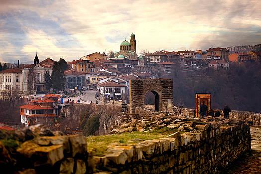 Bulgarian old capital- city of Tarnovo  by Svetoslav Sokolov