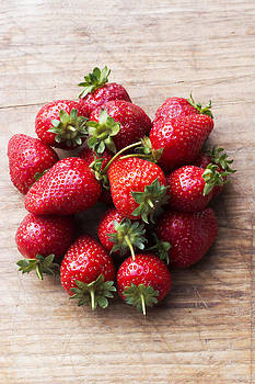 Newnow Photography By Vera Cepic - Bunch of strawberries