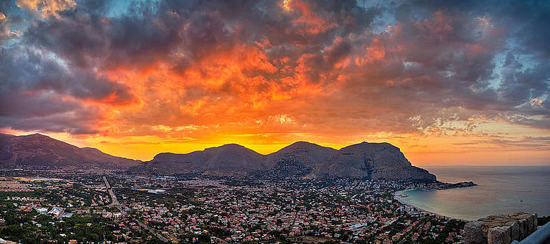 Burning Sicilian Sunset by Viacheslav Savitskiy