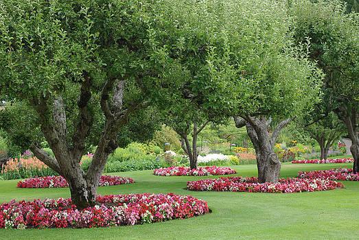 Marilyn Wilson - Butchart Gardens