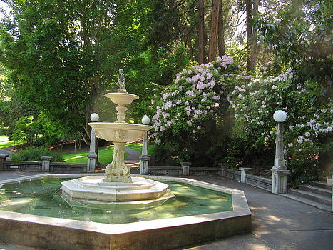 Roberta Hayes - Butler Fountain in Spring