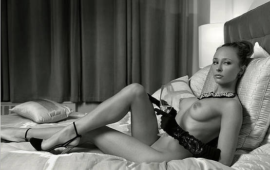 BW Portrait of Sexy Young lady posing at the bedroom by Anton Oparin