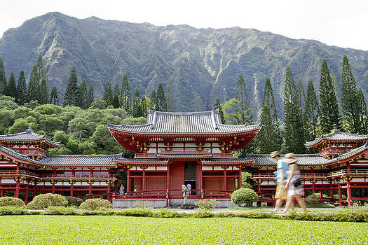 Byodo Tourists by Ashlee Meyer