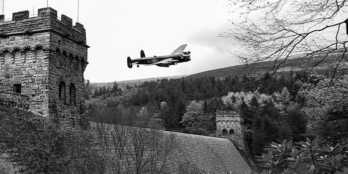 Gary Eason - Canadian Lancaster VR-A at the Derwent Dam black and white versi