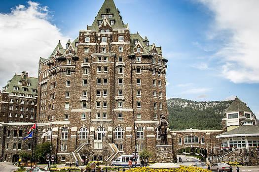 Alanna DPhoto - Canadian Travel Adventures