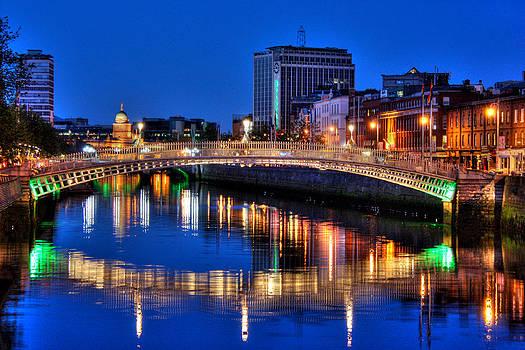 Canal in Dublin by Arnold Nagadowski