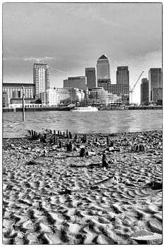 Canary Wharf South View by David Durham