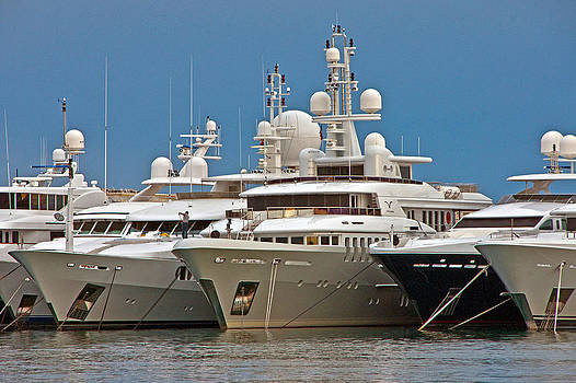 Dennis Cox WorldViews - Cannes yachts