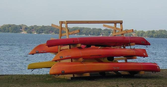 Linda Gonzalez - Canoes