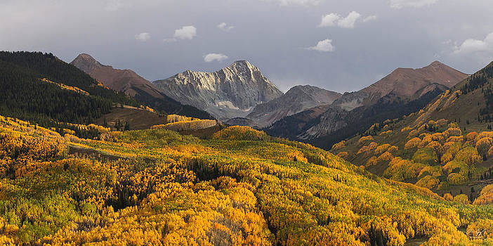 Capitol Peak Panorama by Aaron Spong