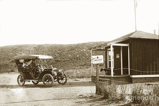 California Views Mr Pat Hathaway Archives - Car at the Mexico California United States border crossings  1906