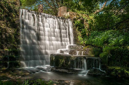 Cascade Waterfall by Darren Marshall