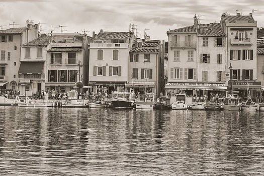 Georgia Fowler - Cassis - French Town - Toned