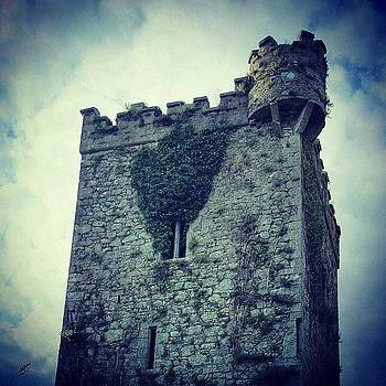 #castle #ireland #followme by Francisco  Quiroz
