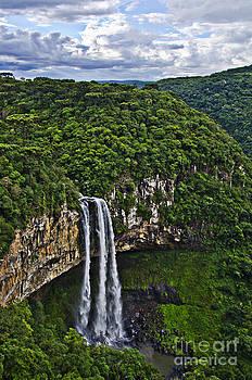 Agus Aldalur - catarata en Brasil