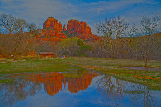Tom Kelly - Cathedral Rock 9613