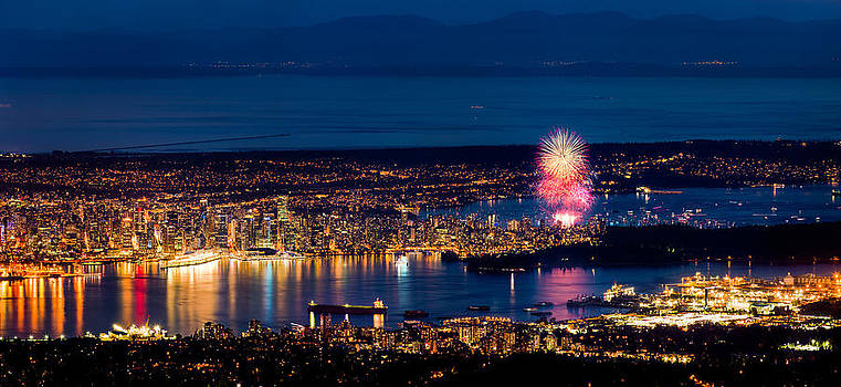 Celebration of Light 2014 - Day 1 - USA by Alexis Birkill