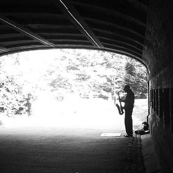 #centralpark #nyc #streetperformer by Matthew Tarro