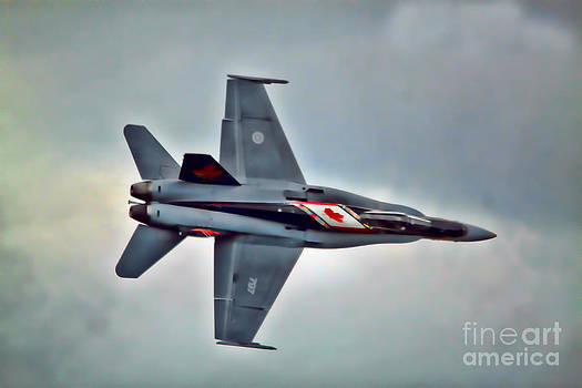 CF18 Hornet Topview Flying by Cathy Beharriell