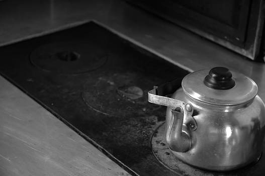 The Kettle by Luciano Trevisan
