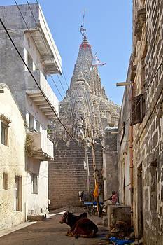 Kantilal Patel - Changing of the flag on Krishna Temple Dwarka
